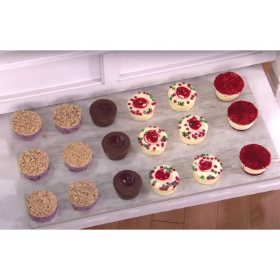 Cheesecakes on platter